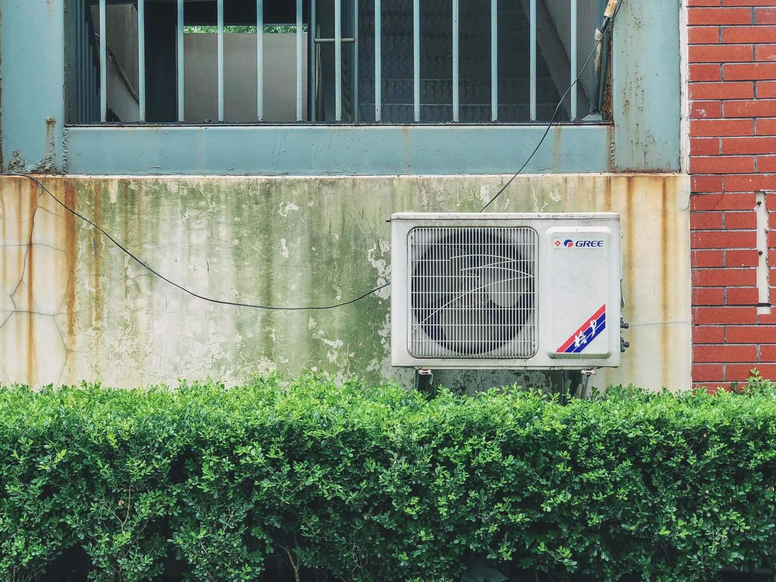 Air Conditioning Installation For Fashion And Beauty Outlets
